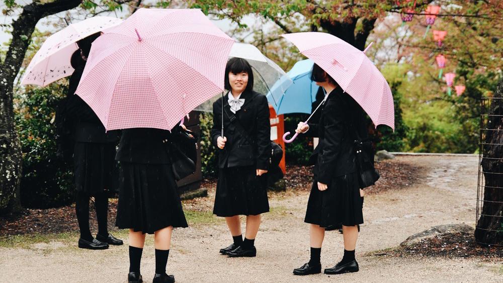 Street Life of Japan by Bartosz Raczynski